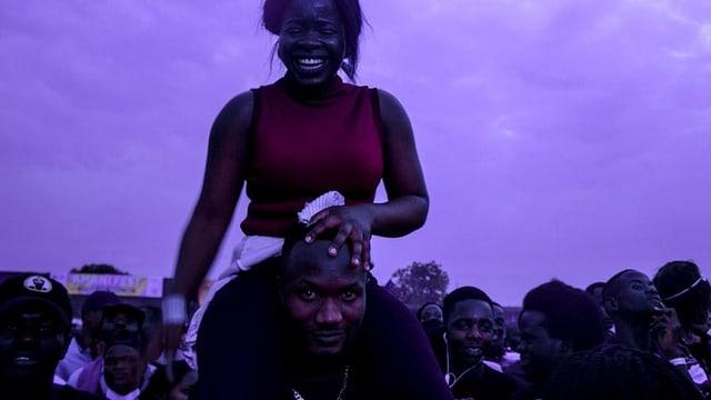 Abendstimmung an einem Musikfestival in Afrika.