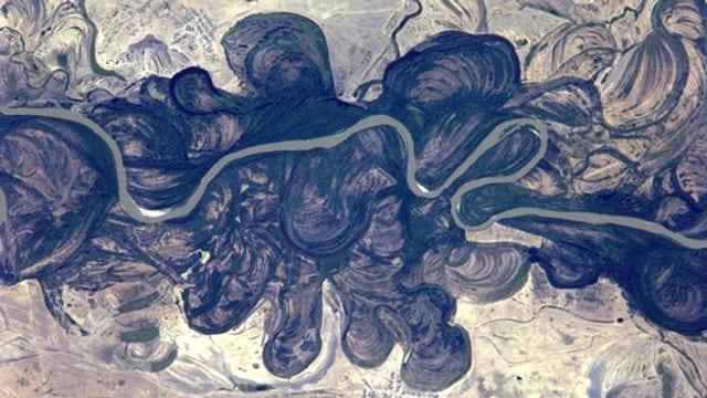 Fluss in Kasachstan von oben.