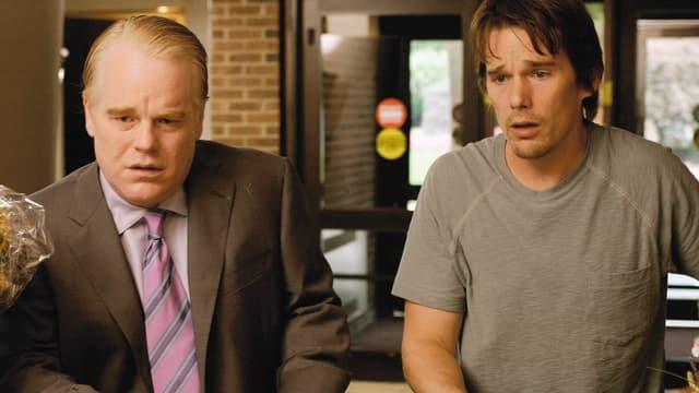 Philip Seymour Hoffman als Andy Hanson, Ethan Hawke als Hank Hanson.