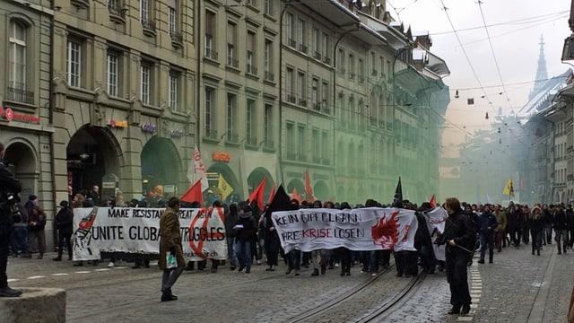 Demonstrationszug durch die Berner Innenstadt