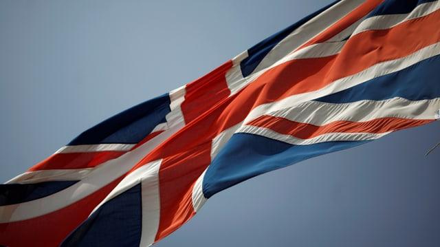 Symbolbild: Union Jack flattert im Wind?