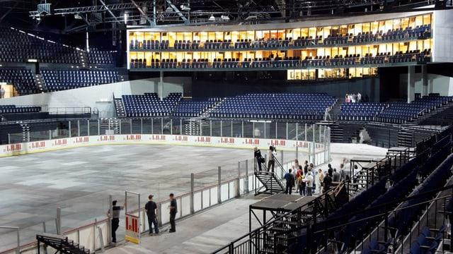 Blick von Innen auf das totalsanierte Zürcher Hallenstadion vor der Wiedereröffnung 2005.