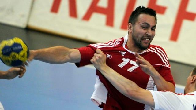 Auch die vier Treffer von Marcel Hess konnten die Schweizer Niederlage nicht verhindern.