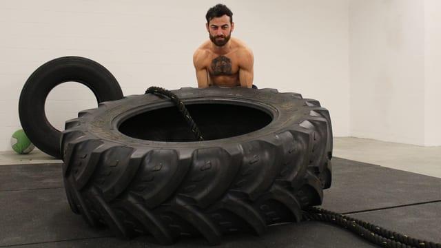Andranik Hakobyan in seinem Gym