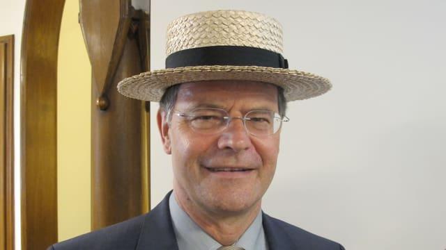 Walter Dubler mit Hut.