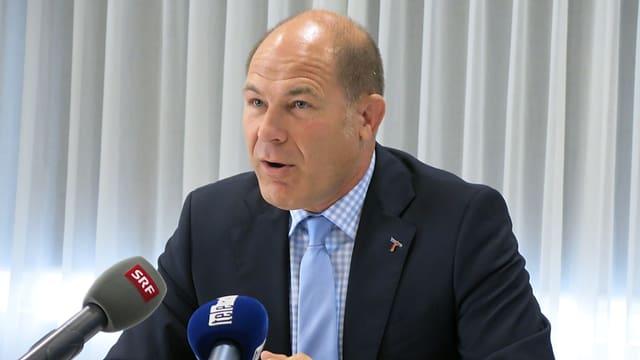 Baselbieter Finanzdirektor Anton Lauber spricht an einer Veranstaltung.