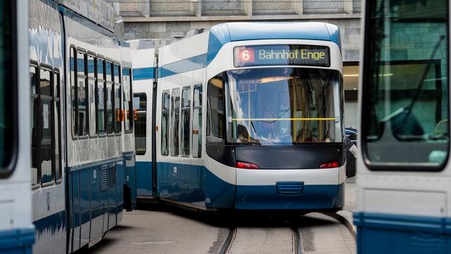 Traffic da tram a Turitg.