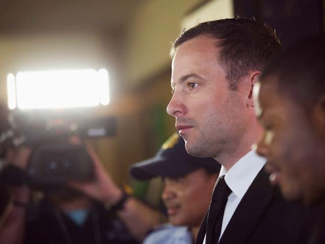 Oscar Pistorius beim Betreten des Gerichts