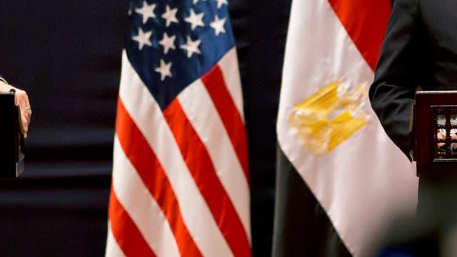 Bandieras dals Stadis Unids e da l'Egipta