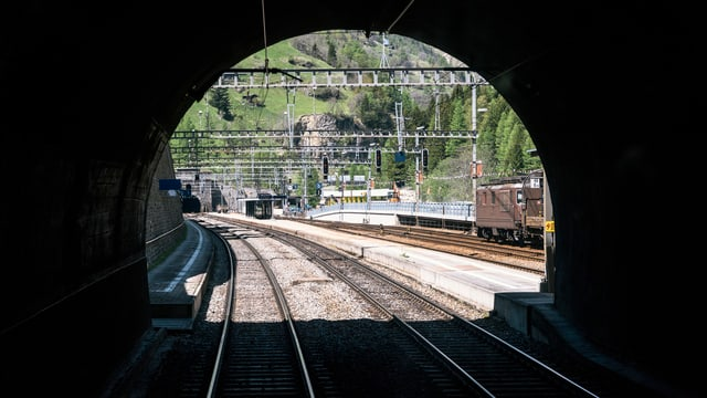Purtret dal tunnel dal Lötschberg.