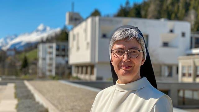 Purtret sora  Annemarie Müller