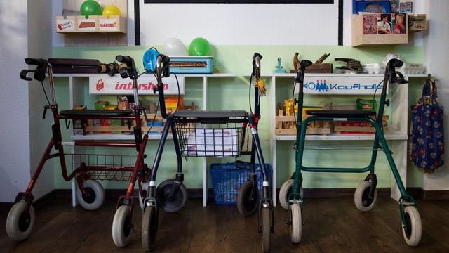 Büro und Computer statt Rollator und Altersheim: Immer mehr Rentner arbeiten weiter.