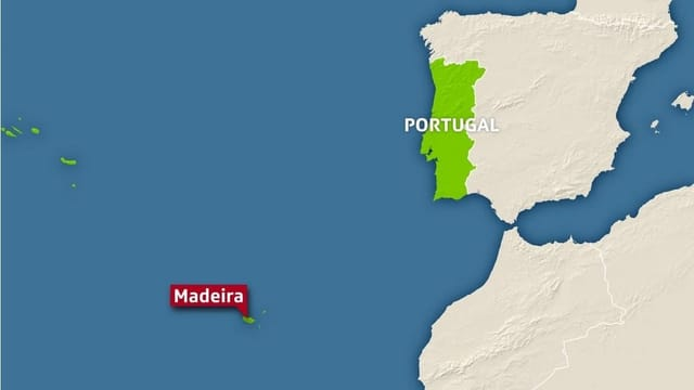 Purtret d'ina carta che mussa Portugal da vart dretga e Madeira amez la mar.