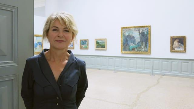 Bettina Hahnloser in der Ausstellung im Kunstmuseum Bern