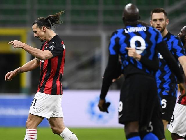 Zlatan Ibrahimovic (links) und Romelu Lukaku.