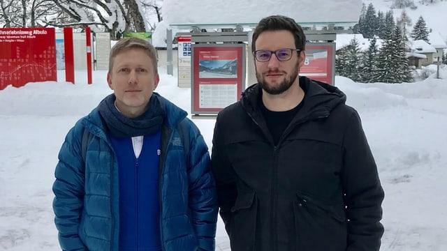 Kevin Quattropani (president da l'uniun ils pli bels vitgs da la Svizra) ed il president communal da Bravuogn Filisur Luzi C. Schutz.