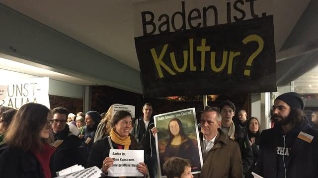 Demonstration in Baden für den Kunstraum.