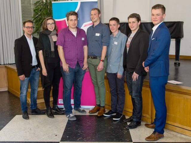 Sieben junge Politiker.