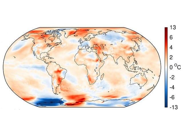 Weltkarte, viele Regionen rörlich, nur Westantarktis blau, Teile von Russland bläulich.