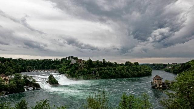 Rheinfall bei Gewitterstimmung
