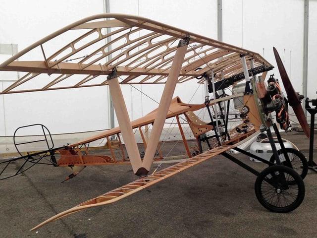 Das Geerippe des nachgebauten Nieuport-Flugzeugs.