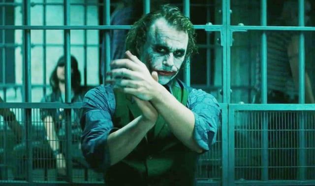 Mann mit angemalten Gesicht: Joker