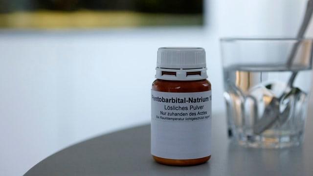 Das Schlafmittel Pentobarbital wird von Sterbewilligen eingenommen.
