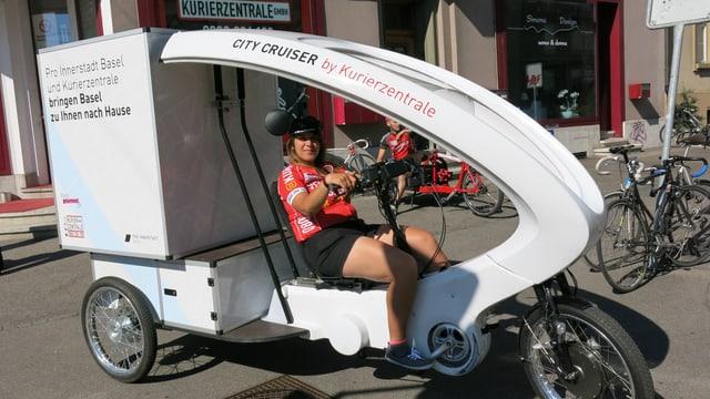 Dreirad-Fahrzeug zum Ausliefern von Waren.