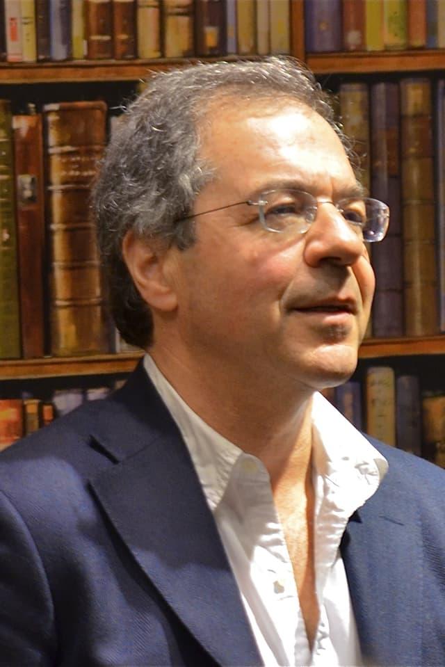 """Der Journalist und Dokumentarfilmer Göran Rosenberg, Autor von """"Ein kurzer Aufenthalt"""", Porträtaufnahme."""