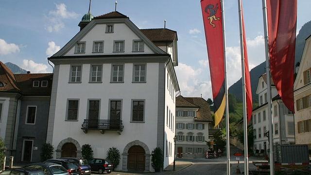 Das Rathaus in Stans von aussen.
