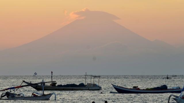 Der 3000 Meter hohe Vulkan Mount Agung