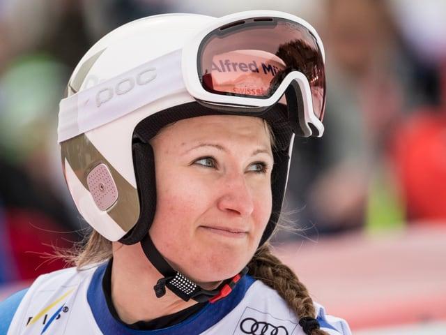 Priska Nufer mit Helm.