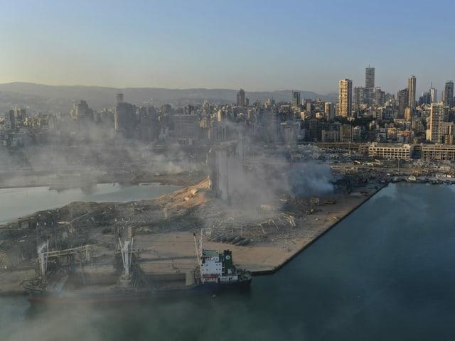 Bild vom Hafen von weit oben.