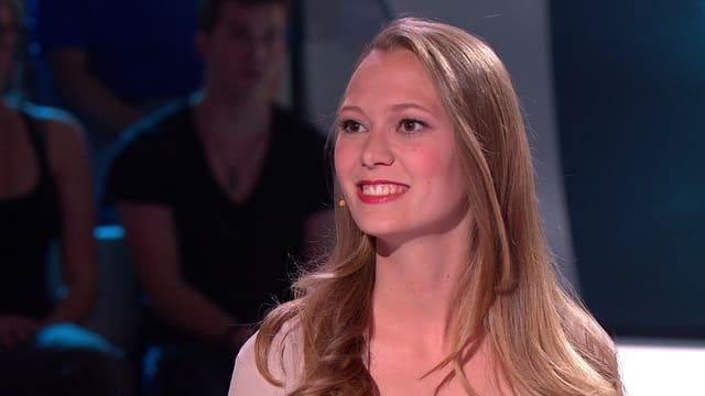 Video «Deborah Amstutz stellt sich als nächste Kandidatin den neun Fragerunden von «Top Secret».» abspielen