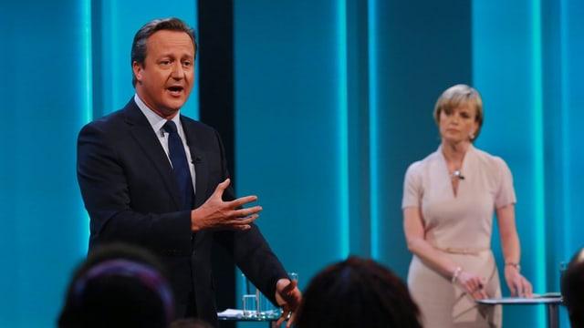 Il primminister David Cameron durant la debatta a la televisiun.
