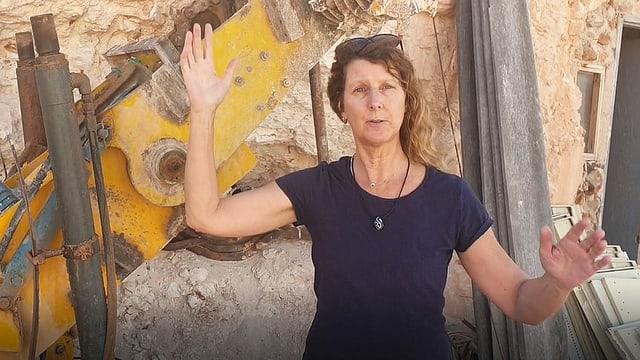Irene Spillmann lebt in einem Höhlenhaus: Die Schweizerin ist vor 20 Jahren nach Australien ausgewandert und hat mittlerweile fünf Höhlenhäuser gebaut.