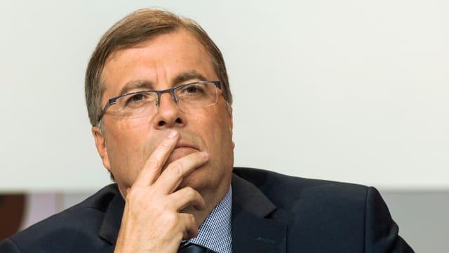 Video «Roger Schawinski im Gespräch mit Jean-Michel Cina» abspielen