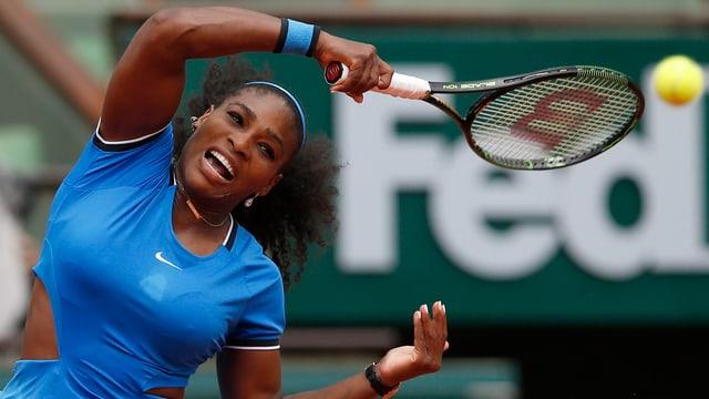Serena Williams setzte sich gegen Kristina Mladenovic durch.