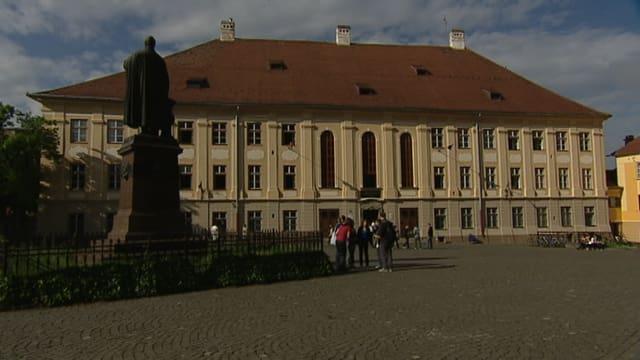 Il gimnasi da Brukenthal a Sibiu.
