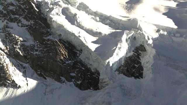 Diese Gletscherzunge des Triftgletschers am Weissmies (4017 m) hat sich wieder stabilisiert.