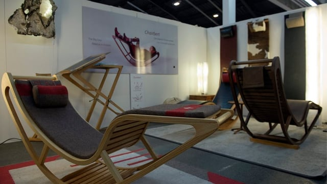 Designer-Möbel an der Messe Blickfang.