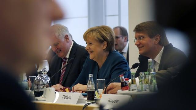 Angela Merkel mit Bayern-Ministerpräsident Horst Seehofer.