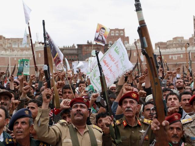 Huthi an Protestdemonstration gegen Saudi-Arabien