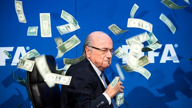 Sepp Blatter unter Geldschein-Regen