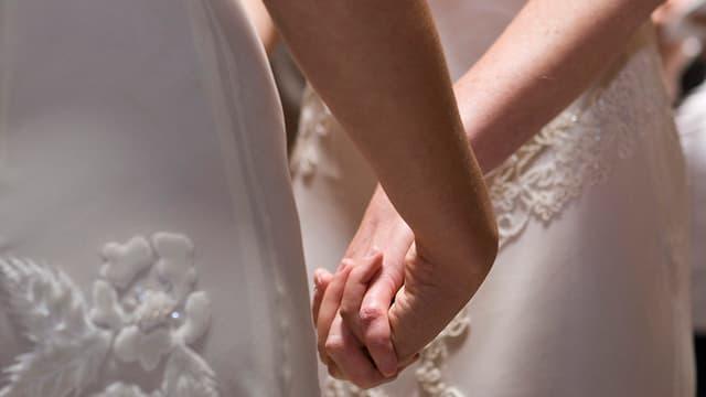 In pèr feminin durant lur maridaglia.