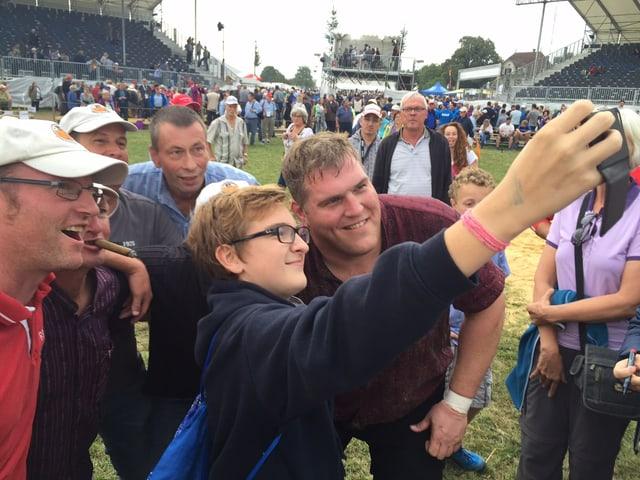 Christian Stucki mit Fans