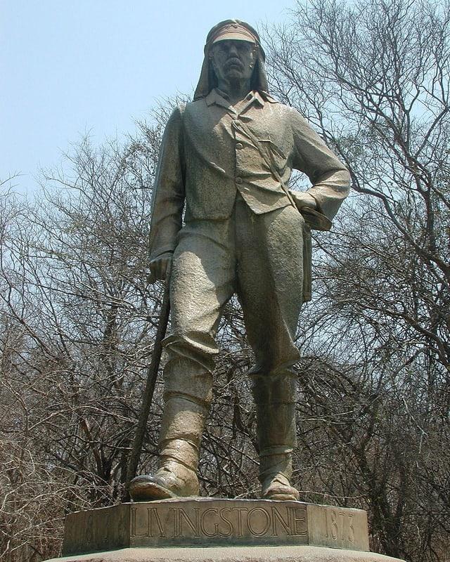 Eine Statue in Simbabwe nahe der Victoria-Fälle erinnert an Livingstone.