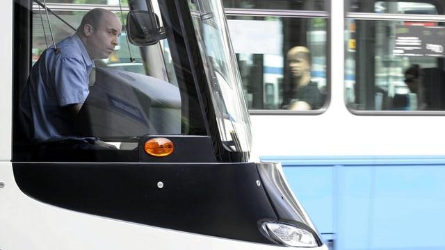 Auch nach 65 noch unterwegs: VBZ-Chauffeure sollen länger fahren dürfen.