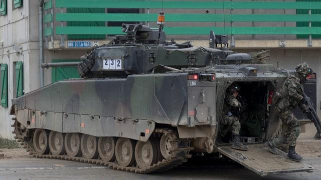 Il parlament ha approvà ils daners per il militar.