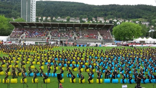 Farbenfroher Abschluss einer Anlasses mit zwei Gesichtern. Das Turnfest 2013 in Biel ist am Sonntag zu Ende gegangen.